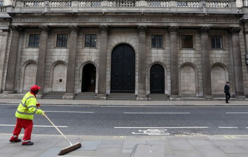 U.K. Budget Gap Widens on Local Government, Tax Income Rises