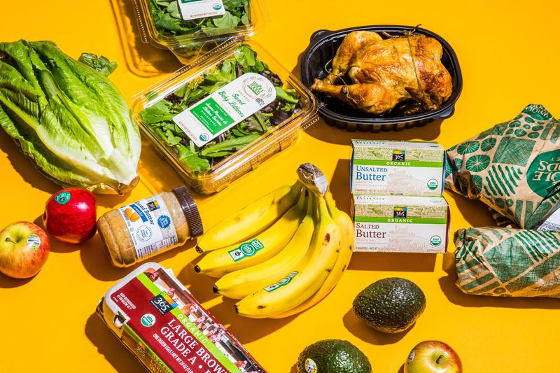 Amazon Cuts Whole Foods Prices as Much as 43% on First Day - Bloomberg