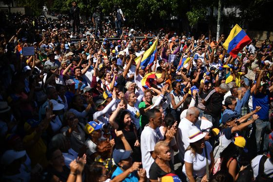 'Free Venezuela!'Cries of Dissent Suddenly Ring Out in Caracas