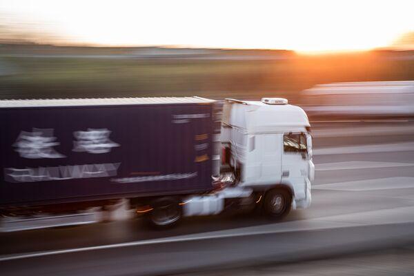 Truckers Face Coronavirus Distribution Snarls