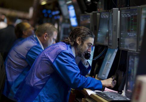 U.S. Stock Futures Fall on Retail Sales Data