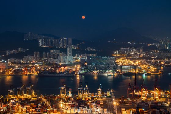 Once the World's Greatest Port, Hong Kong Sinks in Global Ranking
