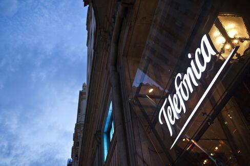 Spain Austerity Tax Set to Accelerate Telefonica's Revenue Drop
