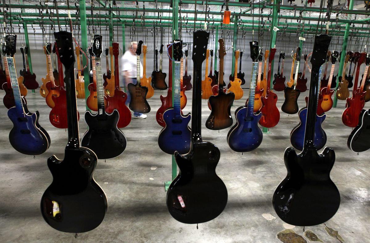 Gibson-Rescuer KKR Seeks Payout as Demand for Guitars on Rise