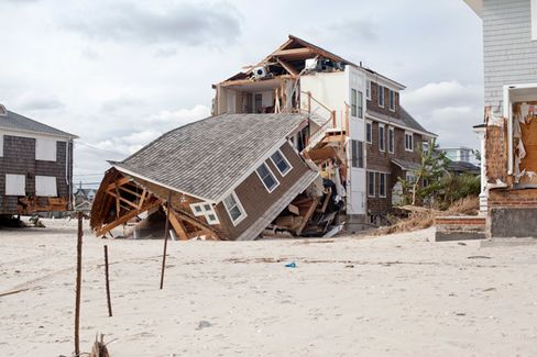 Storm Risk Fails to Deter Buyers of Oceanfront Homes
