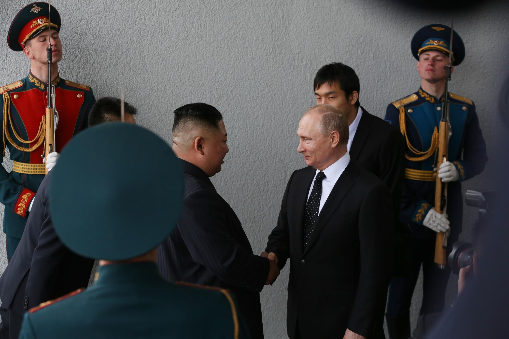 金正恩氏が米国を「不誠実」と非難-プーチン氏との首脳会談で