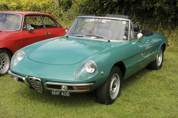 The Alfa Romeo Spider Series A Steal Of A Vintage Convertible - Alfa romeo spider 1980 for sale