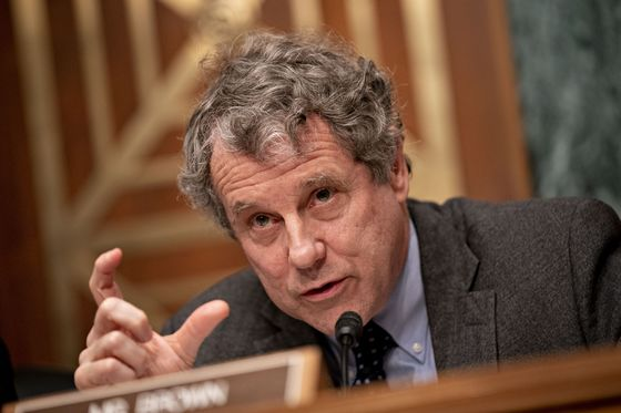 Wall Street's Social-Justice Steps Fail to Sway Sherrod Brown