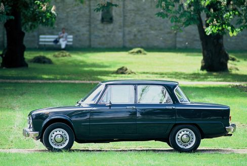 The Alfa Romeo Giulia Berlina (1962-1978)
