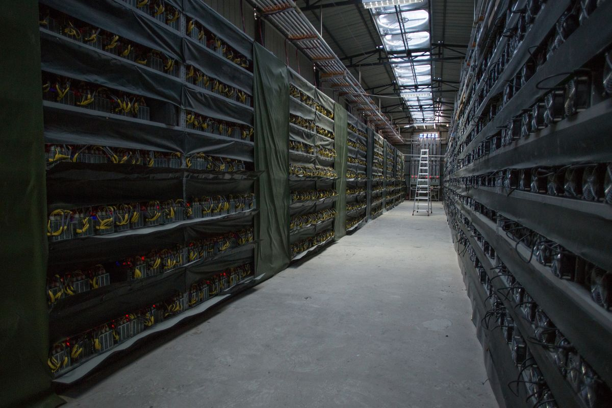 U.S. Signals Clampdown on Red-Hot Digital Coin Offerings