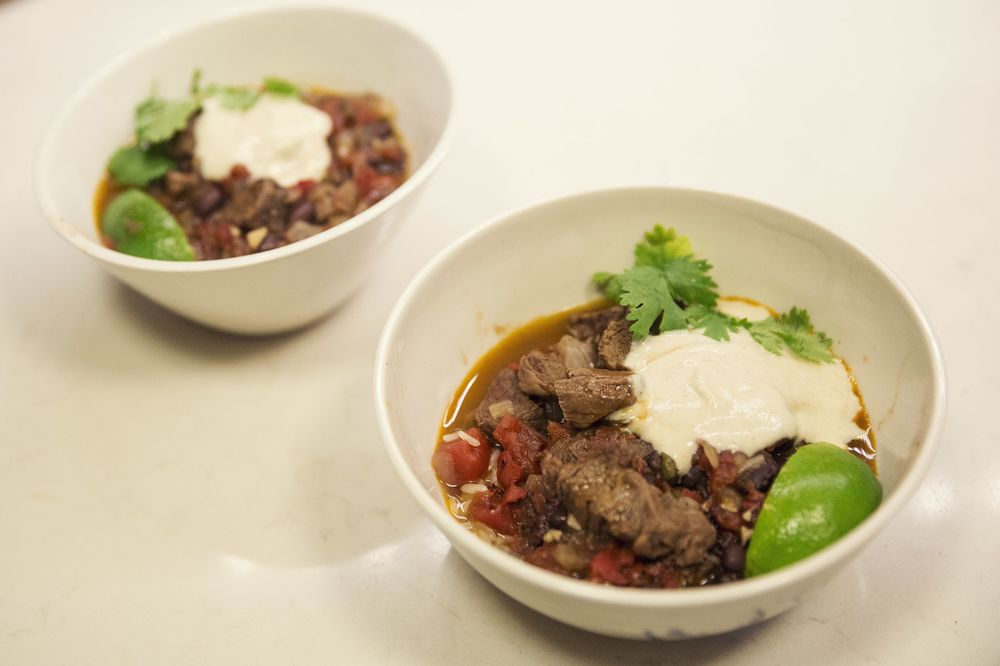 Cele Te Game Day With Bobby Flays Perfect Beef Chili