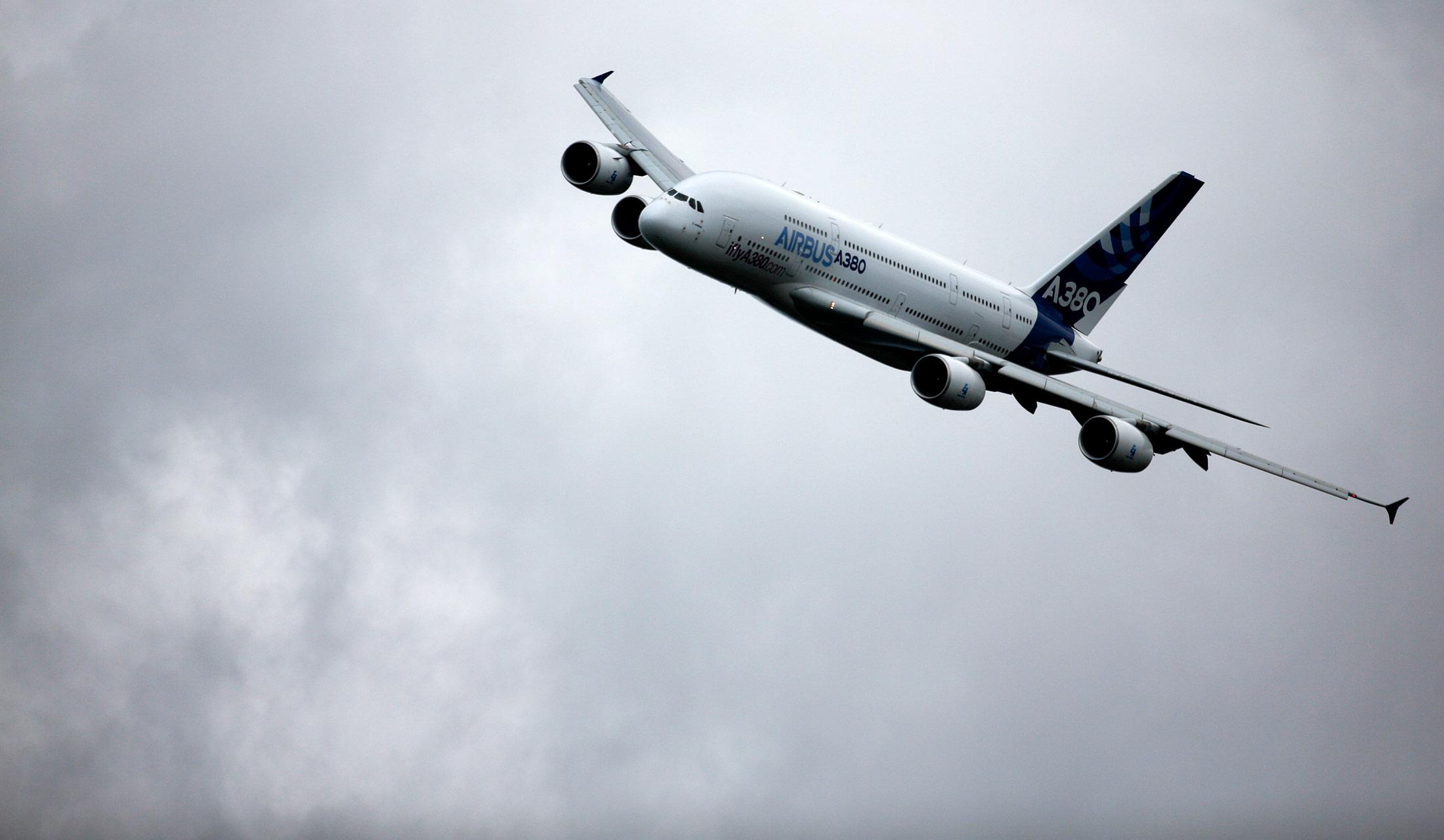 Future of Airbus A380 Superjumbo Hinges on Emirates Order