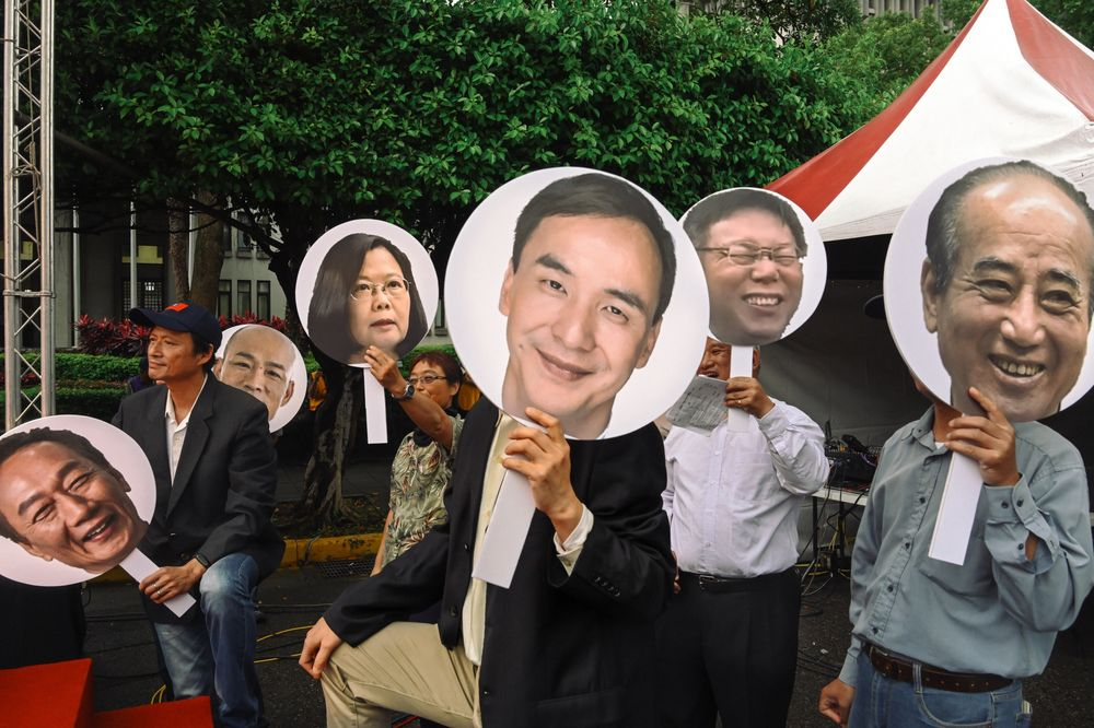 Taiwan's Presidential Candidates Focus Jaundiced Eyes on China