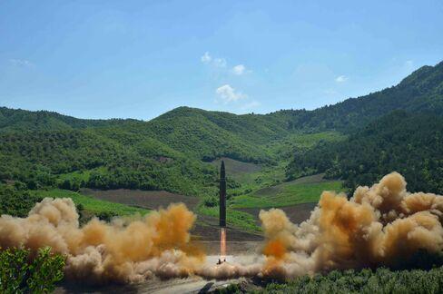 朝鮮中央通信が公表したICBMの「火星14」