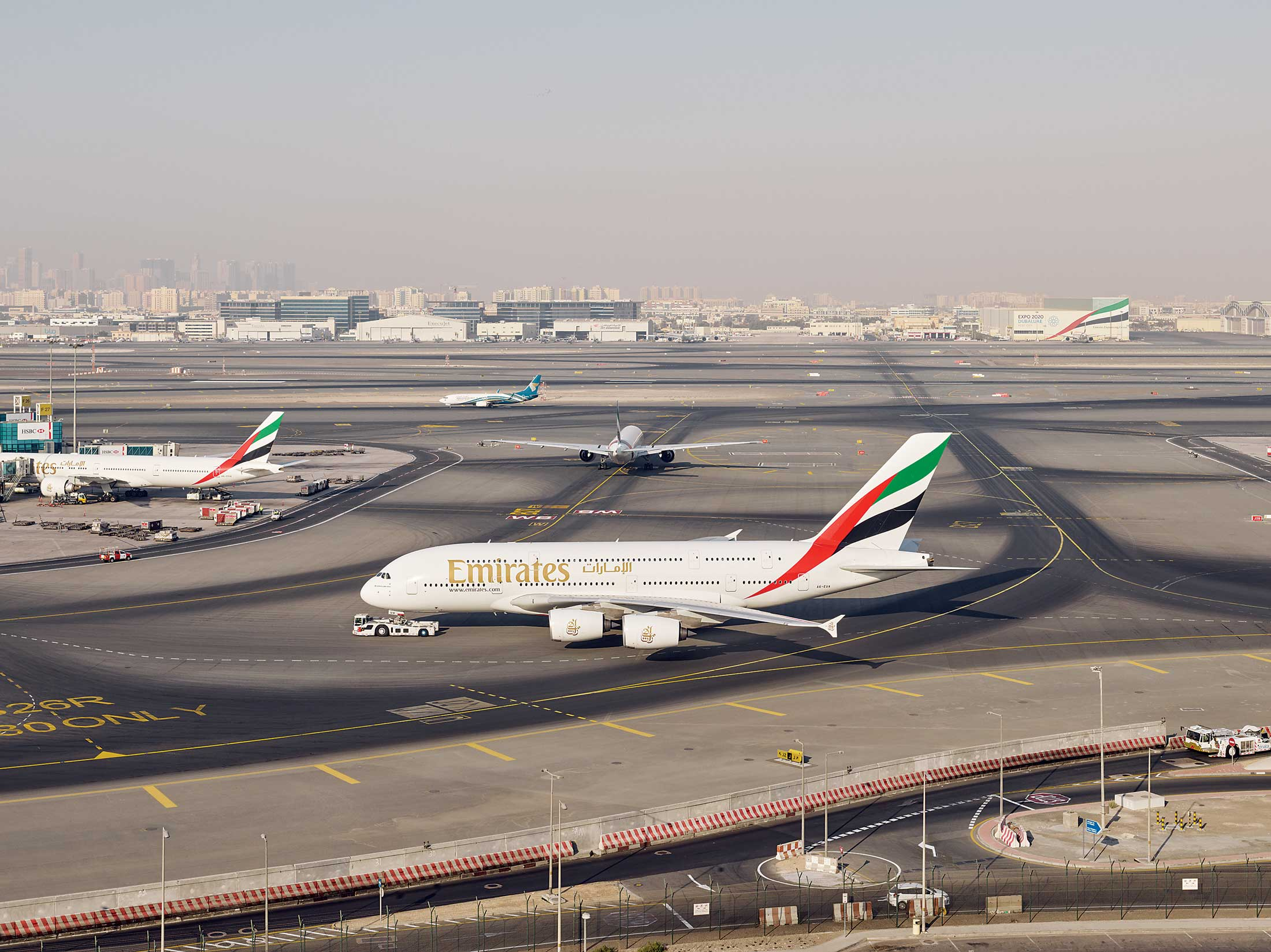 is emirates airline running out of sky bloomberg