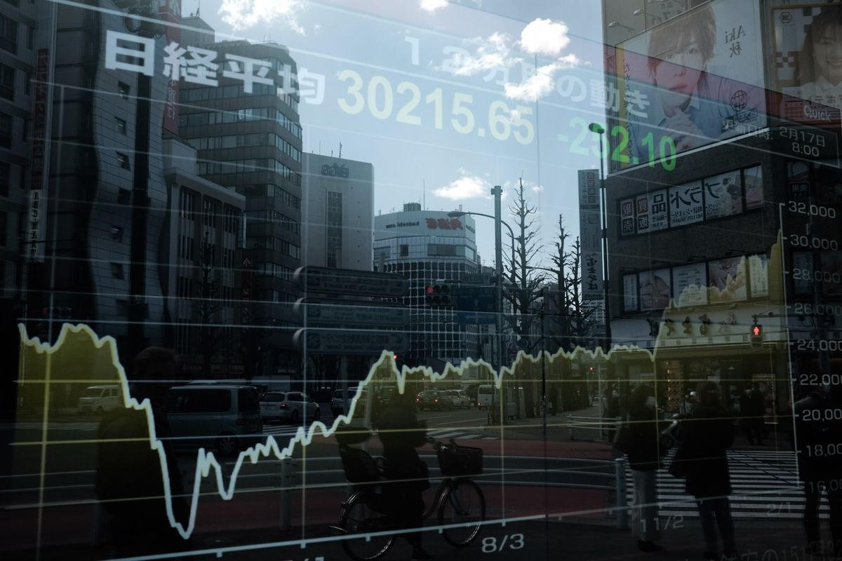 日本株は反発、米金利低下や業績回復期待-電機や精密機器など高い
