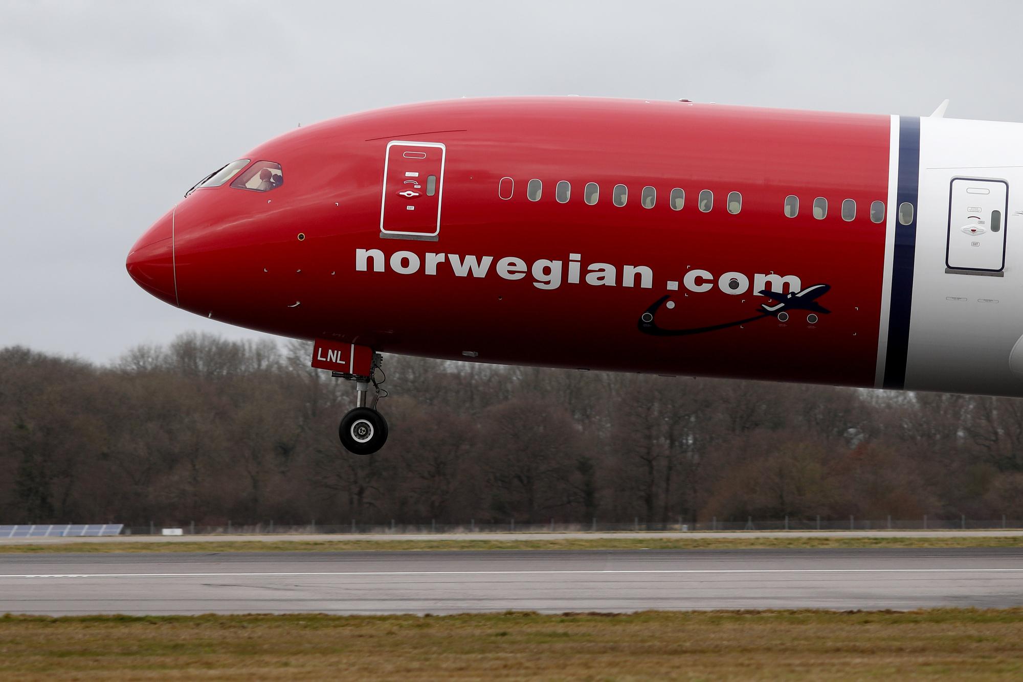 Norwegian Air Seeks to Reassure on Cash Amid Winter Slowdown - Bloomberg