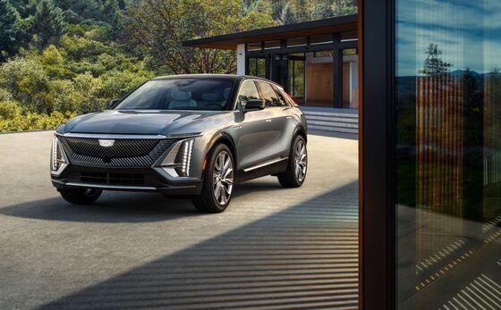 GM Deepens EV Bet Again, Boosts Spending 30% to $35 Billion