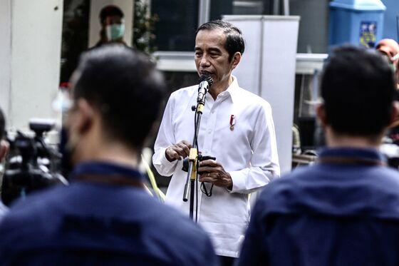 Covid Vaccine Delays Undermine Indonesia's Path to Immunity