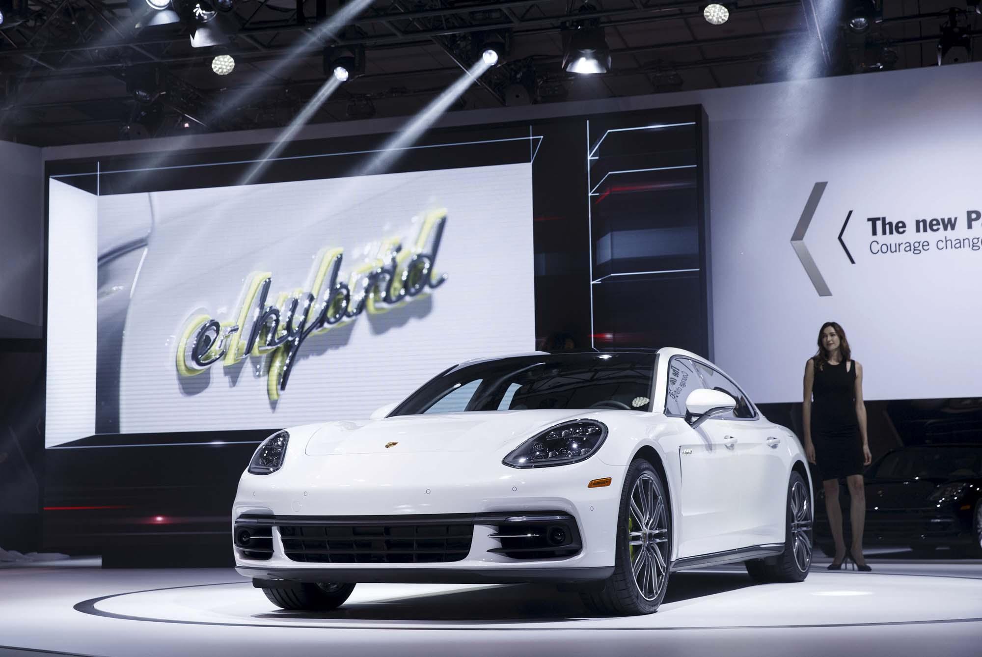 Porsche Panamera 4 Executive e-Hybrid