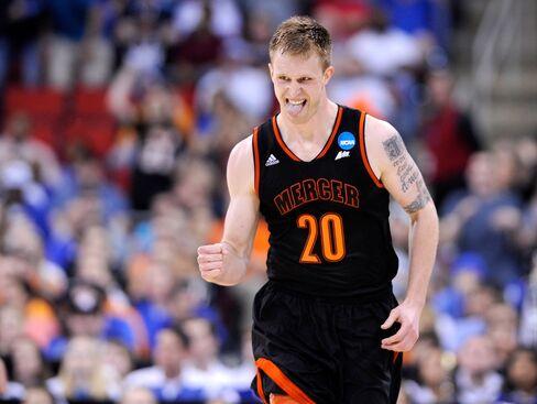 Mercer Bears' Jakob Gollon