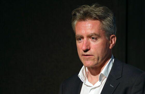Ryanair Taps U.K. Loan Program, Digs In for Slow Recovery