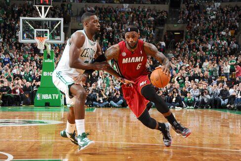 Heat Rally Past Celtics for 23rd Straight Win, 2nd-Best NBA Run