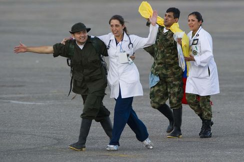 Colombian Military Captives Freed After 14 Years in Jungle