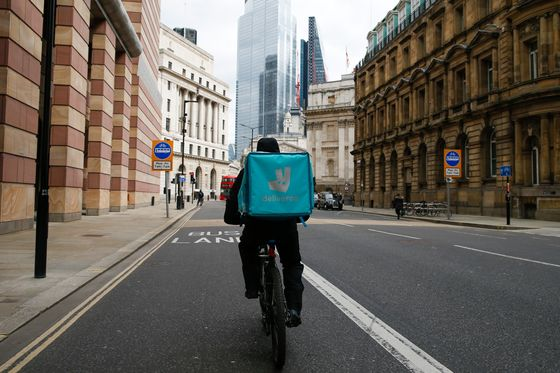 Deliveroo to Dimon Stoke Fears About London's Post-Brexit Future