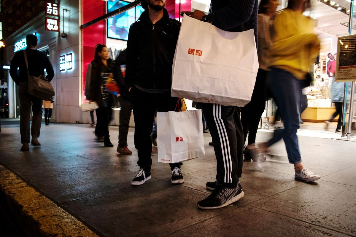 U.S. Retail Sales Unexpectedly Fall the Most in Nine Years
