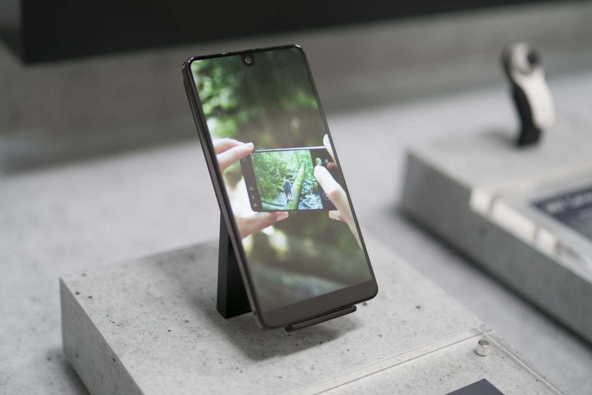 Android Creator Puts Essential Up for Sale, Cancels Next Phone