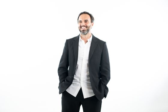 Online Luxe Goods Hub Farfetch Climbs After $855 Million IPO