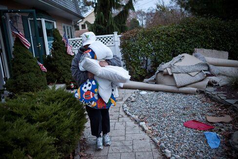 New York Flights to Halt, N.J. Towns Evacuate as New Storm Nears