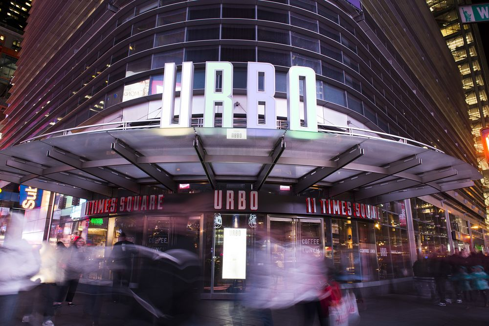 Review Urbo Is A New York Themed Restaurant In Times Square Bloomberg