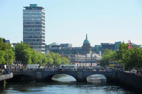 Irish Seek to Tempt Millionaires With Bonds Giving Visas