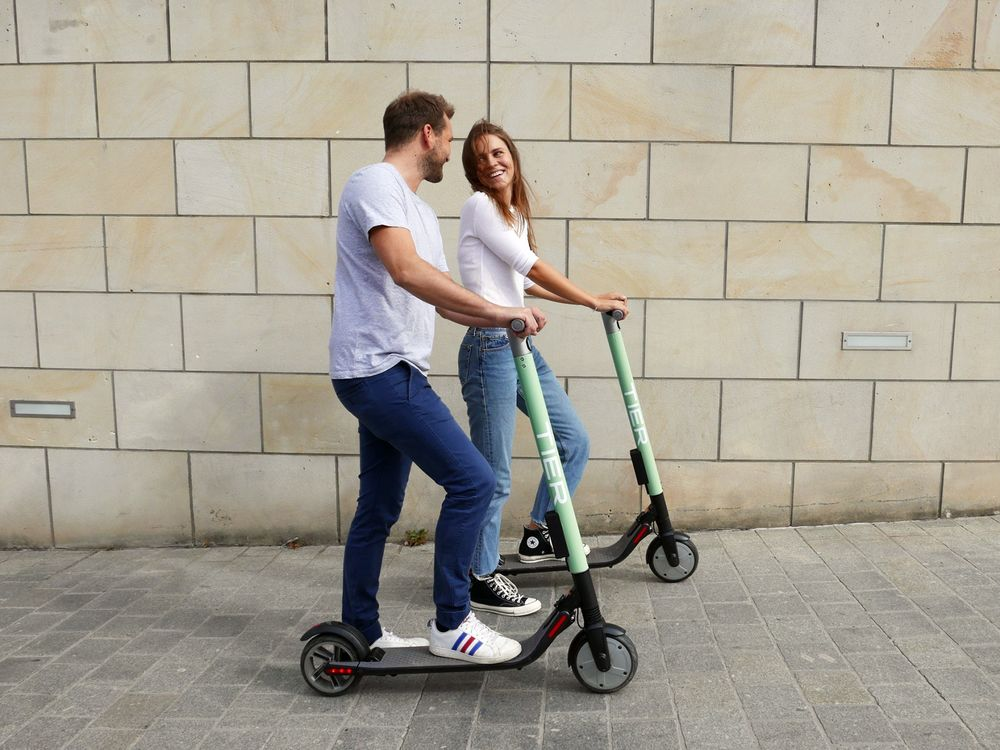 Investors Back European E-Scooter Startups to Rival U S  Leaders