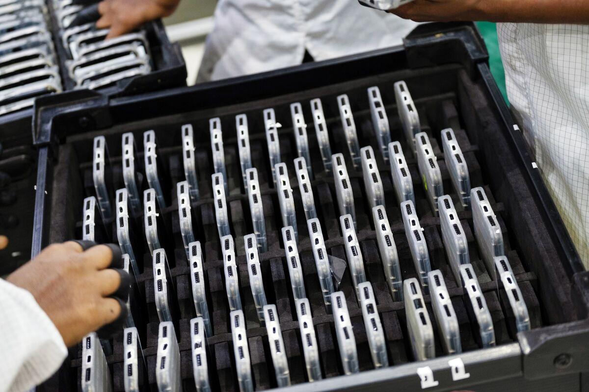 Apple Assembler's Profit Beat Signals Good iPhone 11 Demand