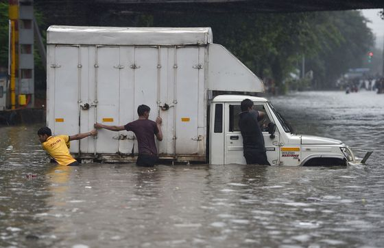 Mumbai Paralyzed After Heaviest Downpour in More Than a Decade