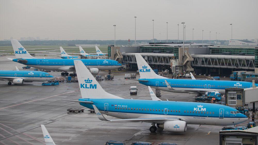 KLM, Air France-KLM CEOs Agree on Governance Plan, Tribune Says
