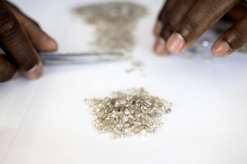 De Beers Hoovers Up Its Best Diamonds From the African Seabed
