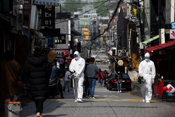 Korea's Virus Strategy is Tested by Outbreak at Nightclubs