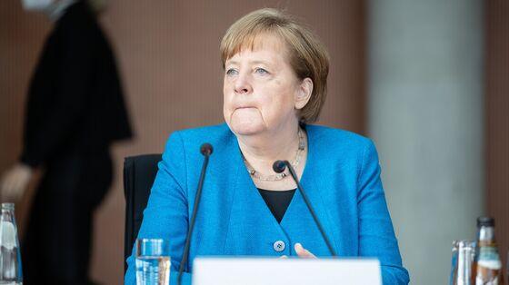 MerkelWarned of Wirecard Link in Cell-Phone Software