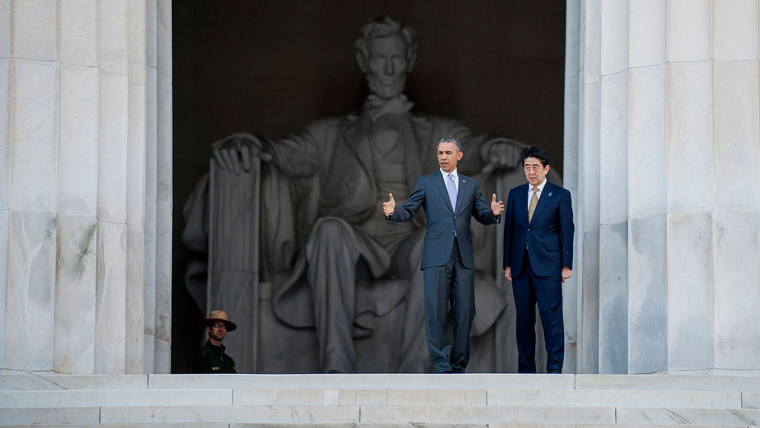 obamas essay on lincoln What are the similarities and differences between abraham lincoln and franklin roosevelt what are the differences and similarities between abraham lincoln and nelson mandela what will.
