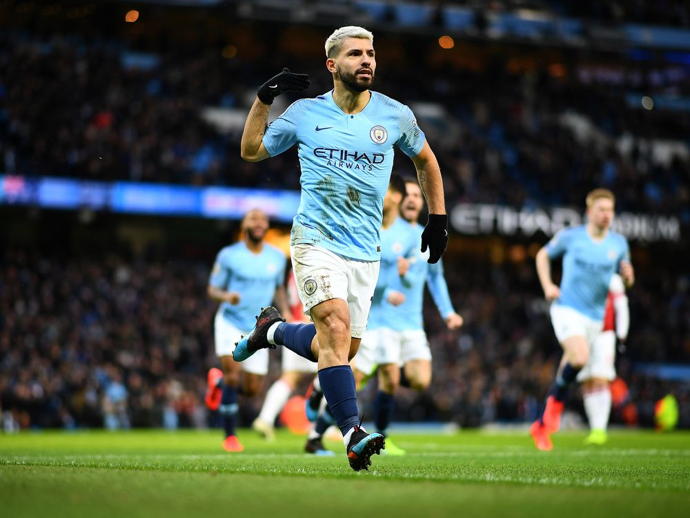 Agresivo Correspondiente a telegrama  Puma Poaches Manchester City Soccer From Nike in `Largest Deal' - Bloomberg