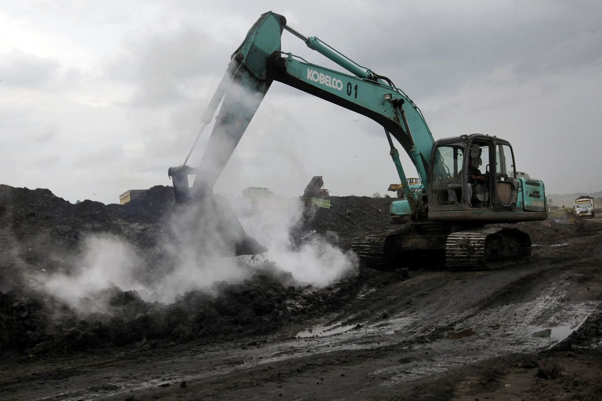 Collapse in Coal Prices Spurs Distress Among Indonesian Miners