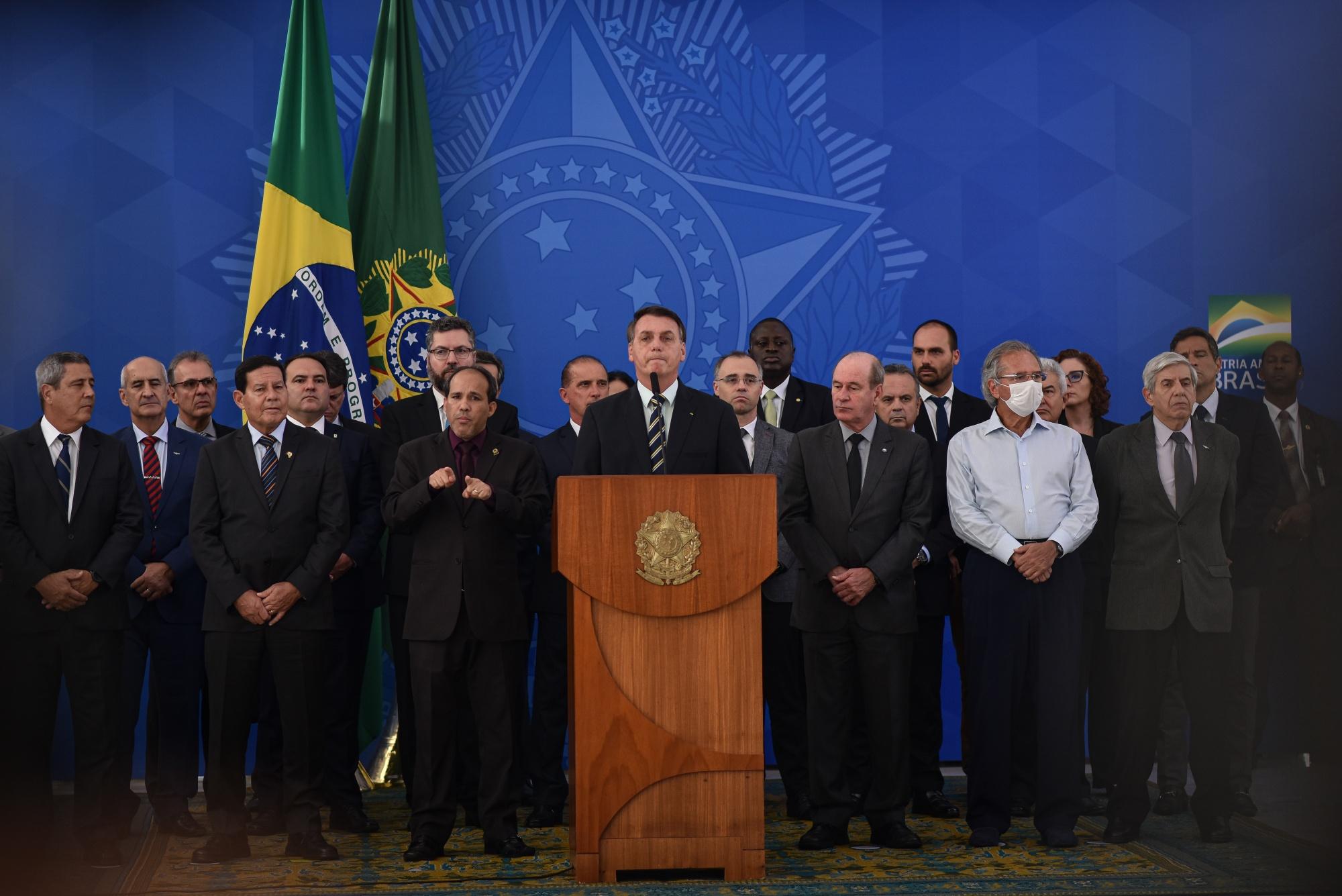 Presiden Bolsonaro berbicara selama konferensi pers di Brasilia, Brasil, pada 24 April.