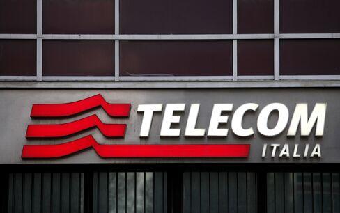 Telecom Italia Board Is Said to Consider M&A Options Next Week