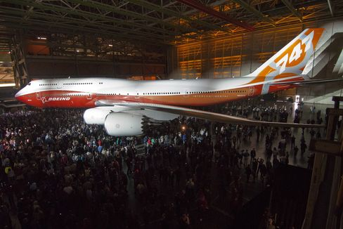 Boeing Loses $1.76 Billion Jumbo-Jet Order After Cutting Output
