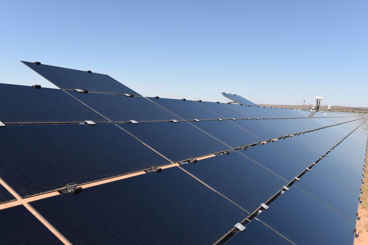 Remote Mine in Australia Pioneers Off-Grid Wind, Solar Power