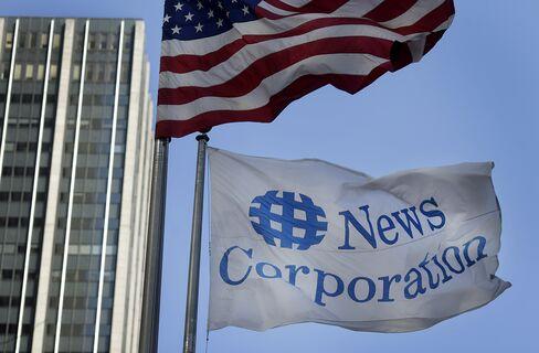 News Corp. Has Confidence in Murdoch as Senator Seeks Evidence